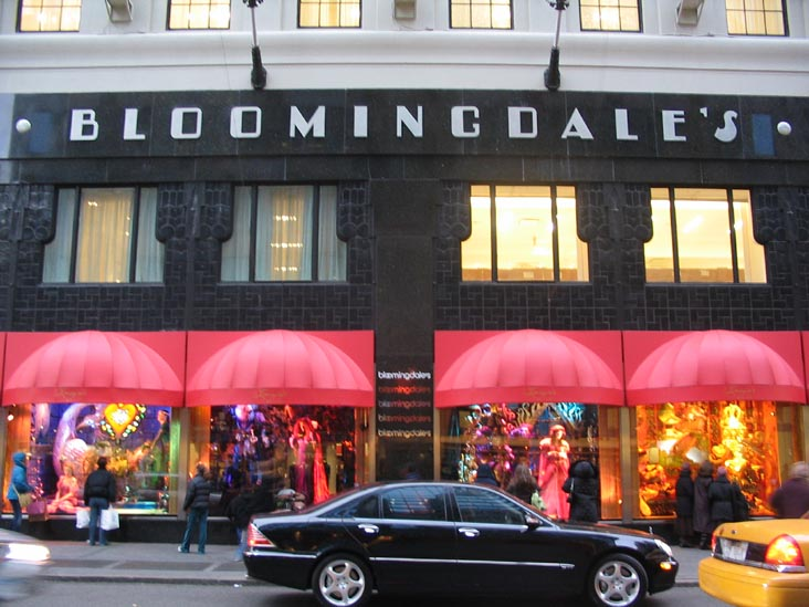 Better Late Than Never Bloomingdale S To Open Outlet